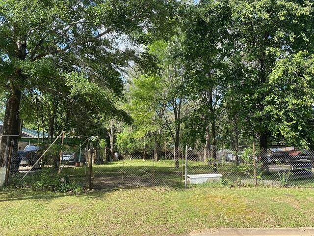 802 Thomas, Kilgore, TX 75662 (MLS #20212442) :: Better Homes and Gardens Real Estate Infinity