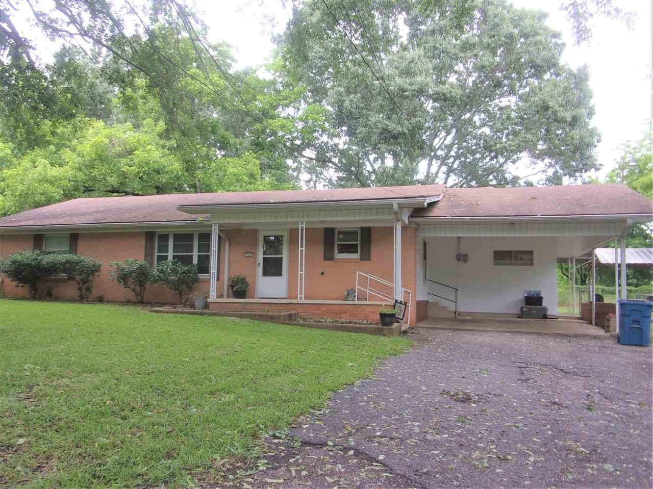 712 Fordall - Photo 1