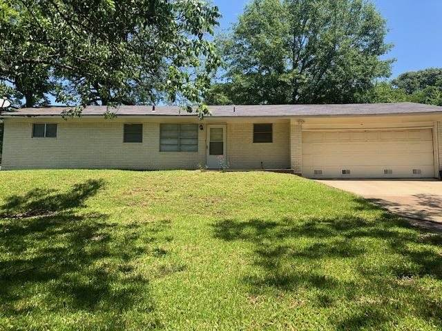 101 Alberta, Henderson, TX 75654 (MLS #20213034) :: Better Homes and Gardens Real Estate Infinity