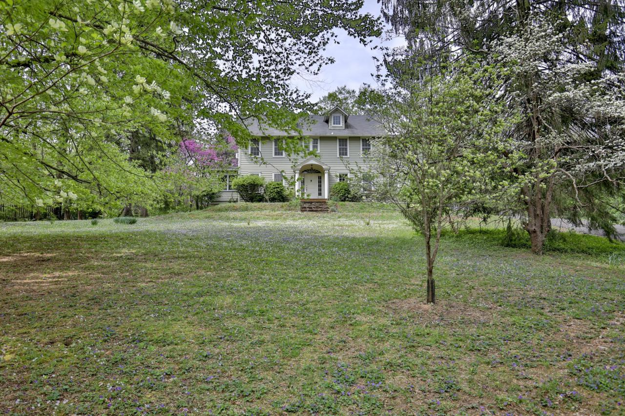 902 Bellewood Rd - Photo 1