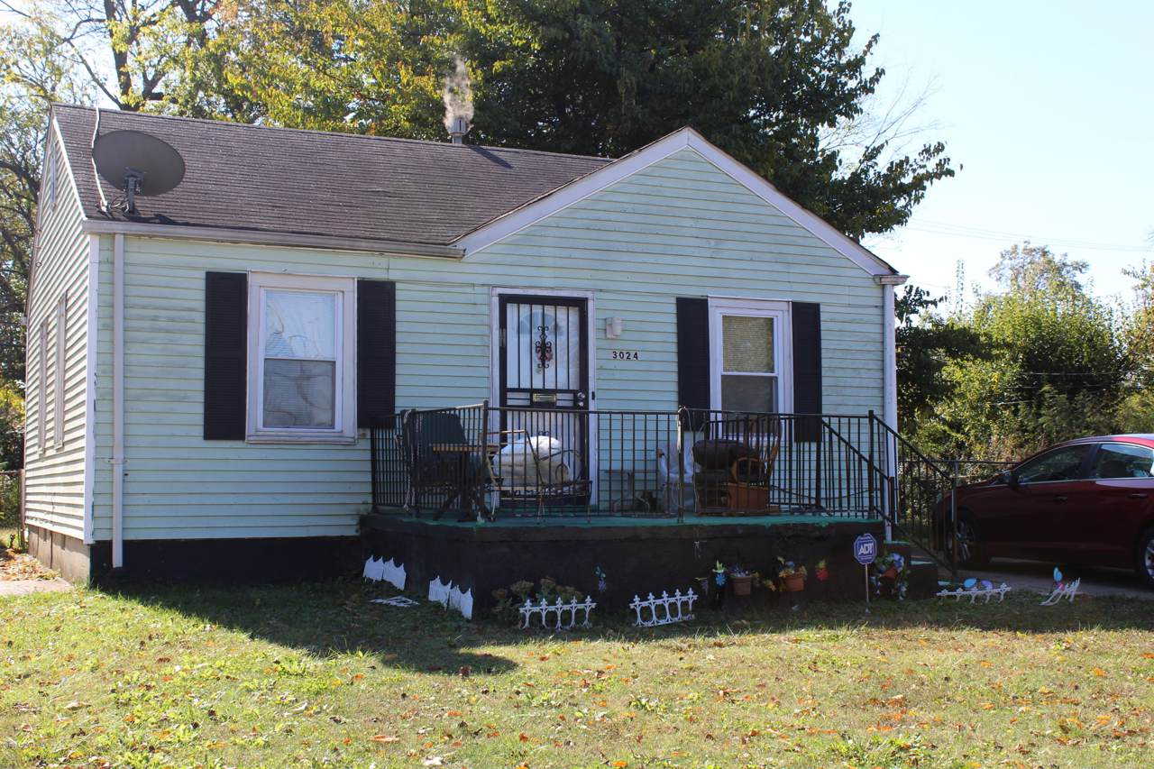 3024 Wyandotte Ave - Photo 1