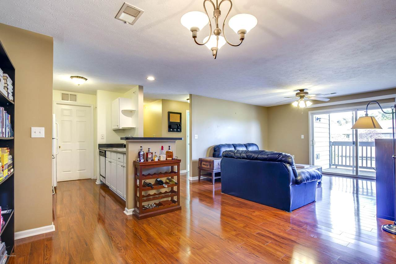 10303 Trotters Pointe Dr - Photo 1