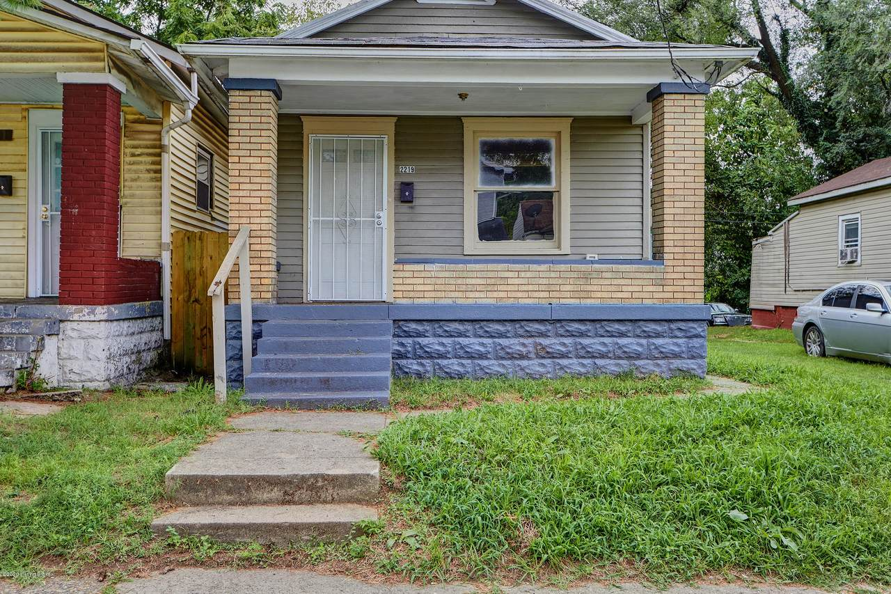 2219 Ormsby Ave - Photo 1