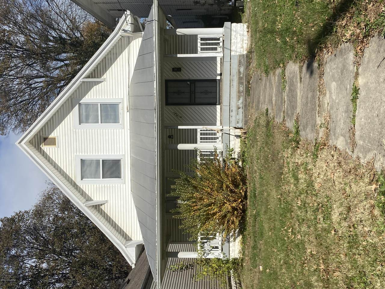 3031 Virginia Ave - Photo 1
