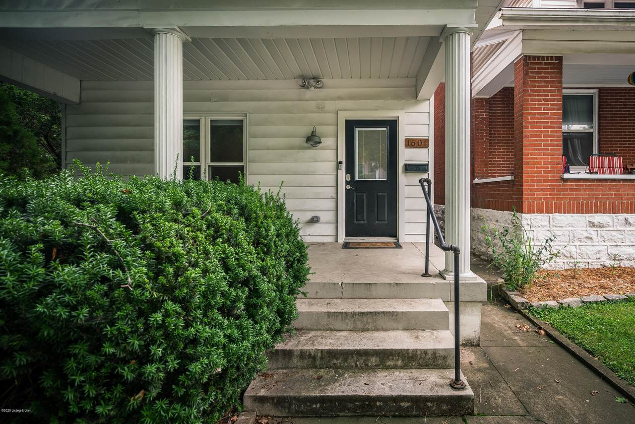1601 Rosewood Ave - Photo 1