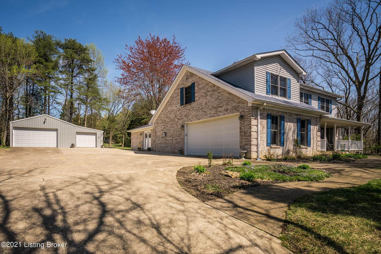 2704 Waterford Rd - Photo 1
