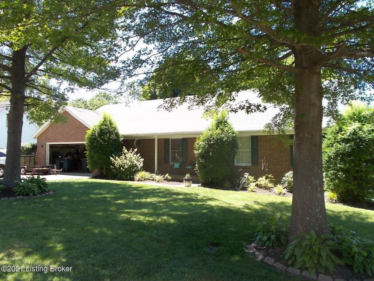 102 Olympia Dr - Photo 1