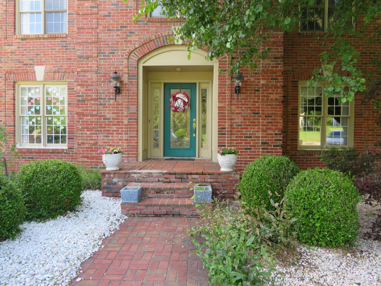 9506 Holiday Dr - Photo 1