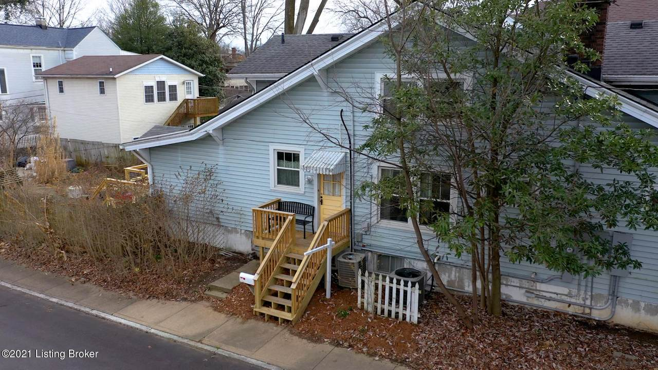 1630 Rosewood Ave - Photo 1