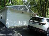 2208 Mellwood Ave - Photo 2