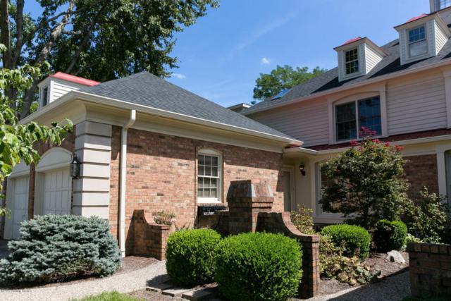 1102 Chamberlain Hill Rd, Louisville, KY 40207 (#1488931) :: Team Panella