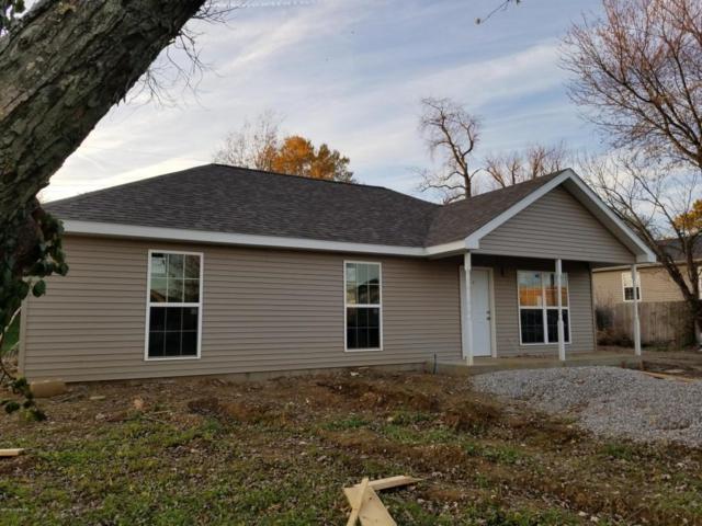 626 Village Ln, Shelbyville, KY 40065 (#1491126) :: Segrest Group