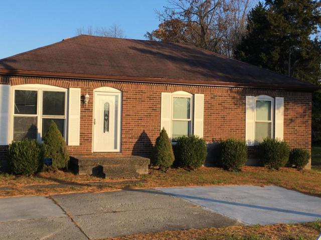 8315 Smyrna Pkwy, Louisville, KY 40228 (#1491189) :: Segrest Group