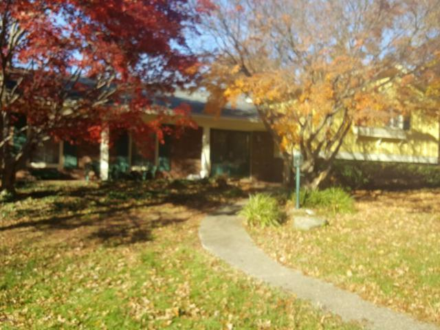 1431 Dellwood Dr, Louisville, KY 40216 (#1492110) :: At Home In Louisville Real Estate Group