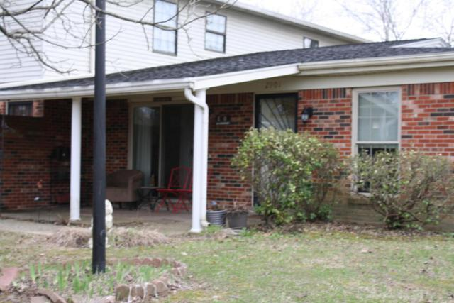 2901 Fordhaven Rd, Louisville, KY 40214 (#1497252) :: Team Panella