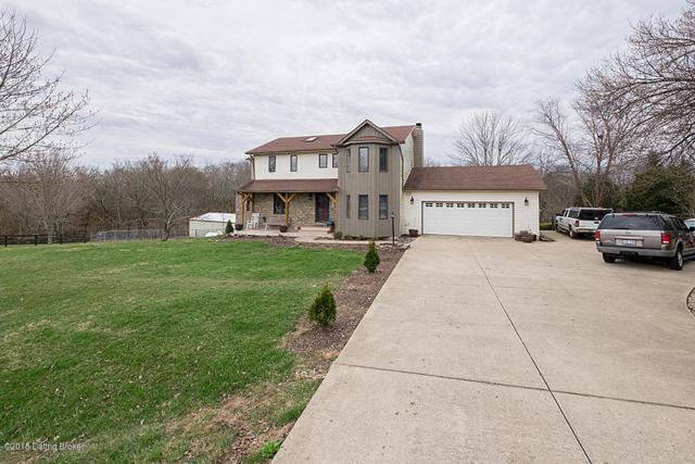 4706 Three Lakes Rd, Crestwood, KY 40014 (#1497454) :: Team Panella