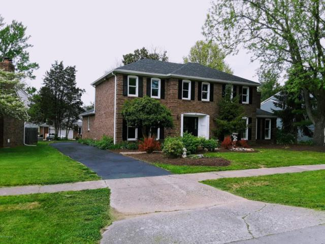5909 Apache Rd, Louisville, KY 40207 (#1502673) :: The Sokoler-Medley Team