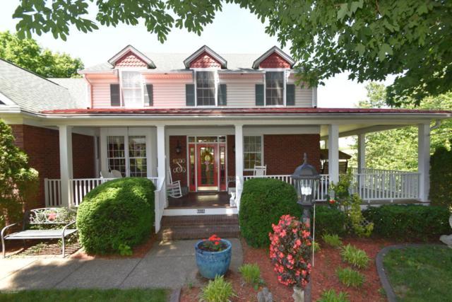 6606 Woodrow Way, Louisville, KY 40228 (#1504441) :: Segrest Group