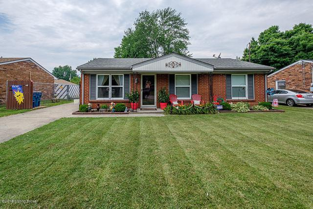 7996 Woodbury Dr, Louisville, KY 40219 (#1505852) :: The Stiller Group