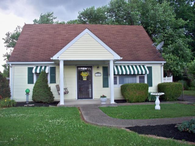 13506 Dixie Hwy, Louisville, KY 40272 (#1506263) :: The Stiller Group