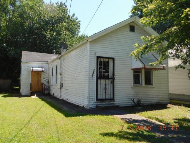 1426 Clara Ave, Louisville, KY 40215 (#1509232) :: The Sokoler-Medley Team