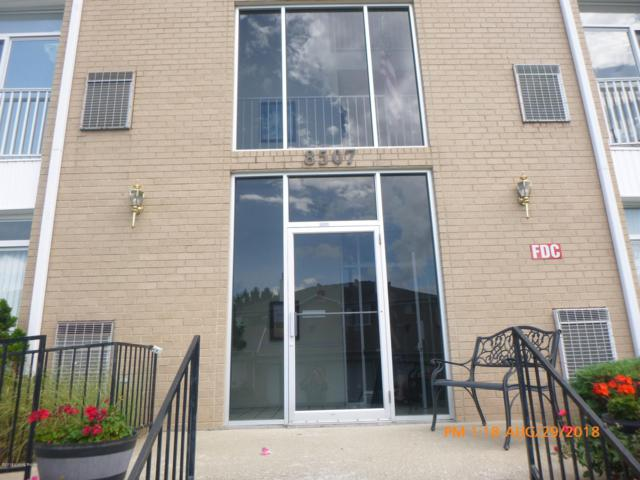 8507 Atrium Dr #102, Louisville, KY 40220 (#1515247) :: At Home In Louisville Real Estate Group
