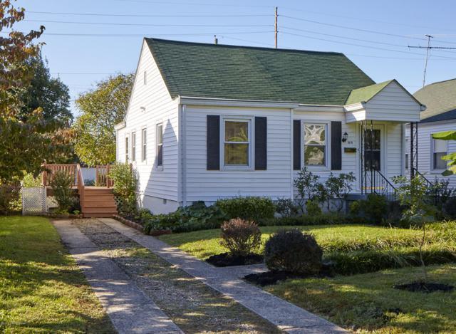 3810 Staebler Ave, Louisville, KY 40207 (#1518505) :: The Stiller Group