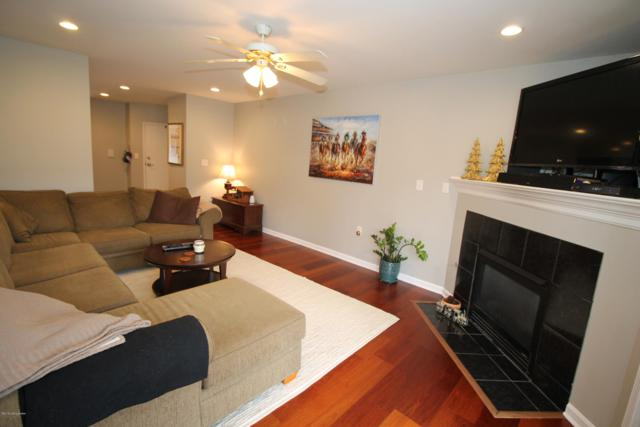9316 Pine Lake Dr #101, Louisville, KY 40220 (#1520515) :: At Home In Louisville Real Estate Group