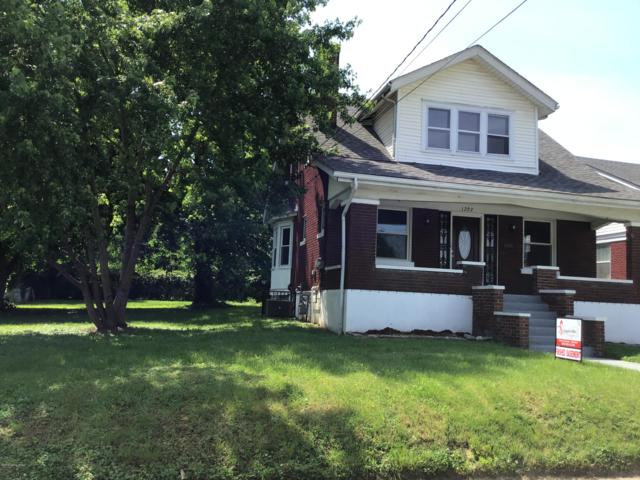 1202 Cecil Ave, Louisville, KY 40211 (#1532694) :: The Sokoler-Medley Team