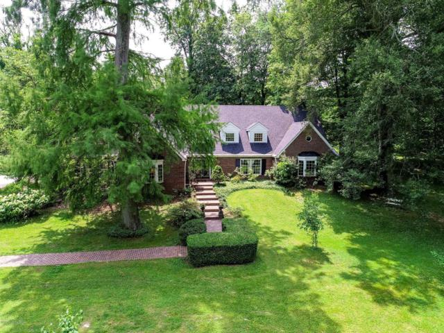 11600 Valley View Rd, Anchorage, KY 40223 (#1534014) :: The Sokoler-Medley Team