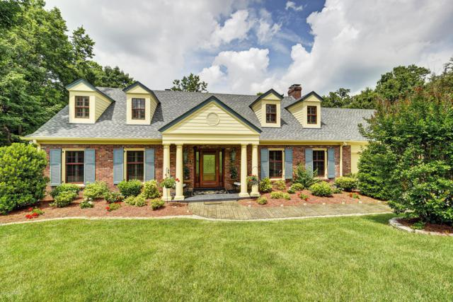 5228 Moccasin Trail, Louisville, KY 40207 (#1534438) :: The Stiller Group