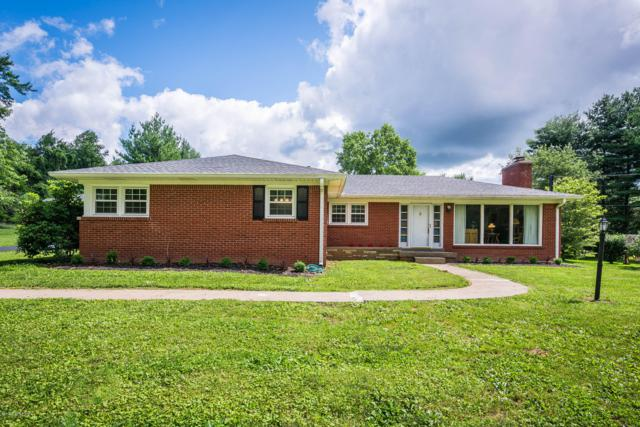 2805 S Winchester Acres Rd, Louisville, KY 40223 (#1534946) :: Segrest Group
