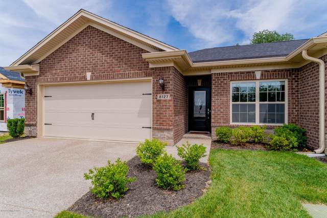 8127 Delta Cir, Louisville, KY 40228 (#1543249) :: The Sokoler-Medley Team