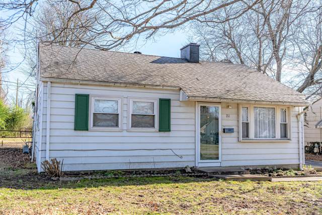 211 Derby Ave, Louisville, KY 40218 (#1551463) :: The Price Group