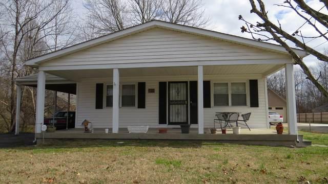 5423 Bruce Ave, Louisville, KY 40214 (#1553495) :: Team Panella