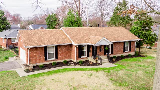 6860 Green Meadow Cir, Louisville, KY 40207 (#1556072) :: The Price Group