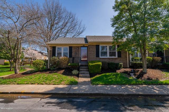 111 Sycamore Dr, Louisville, KY 40223 (#1556078) :: The Stiller Group