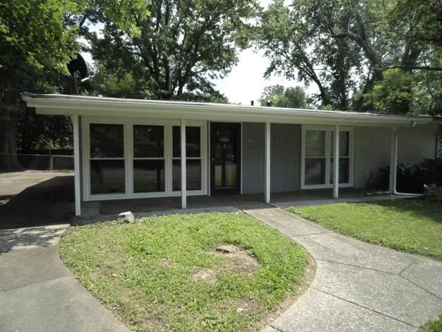 1913 Claremoor Dr, Louisville, KY 40223 (#1556195) :: The Stiller Group