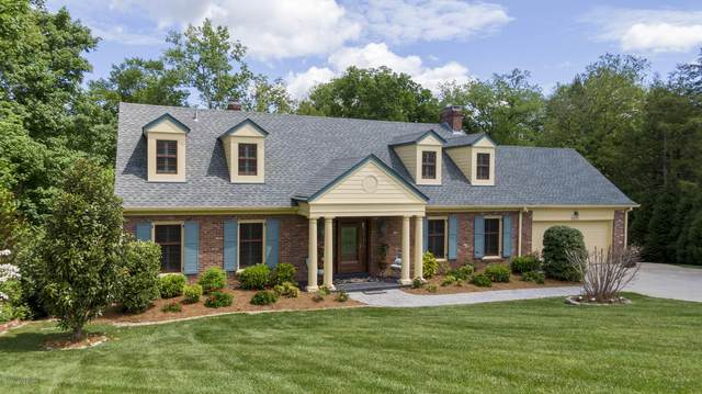 5228 Moccasin Trail, Louisville, KY 40207 (#1560496) :: Team Panella