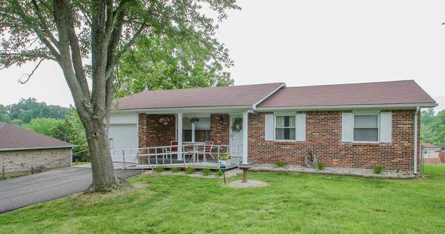 136 Oak Ridge, Radcliff, KY 40160 (#1561112) :: At Home In Louisville Real Estate Group