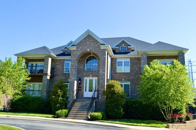 15317 Royal Troon Ave, Louisville, KY 40245 (#1561245) :: Team Panella