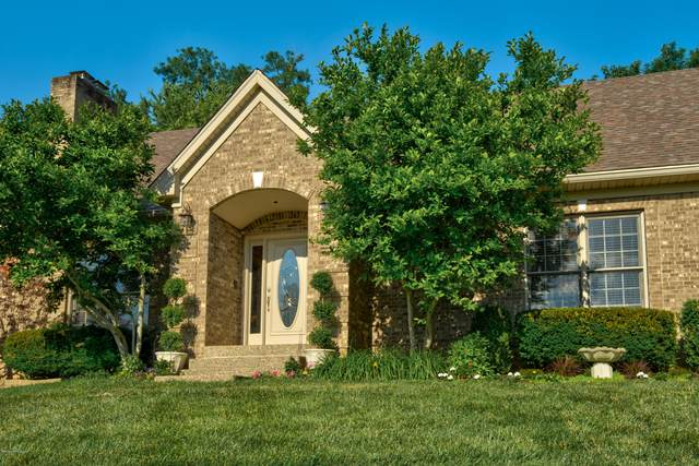 10806 Willow Lake Ct, Louisville, KY 40223 (#1562371) :: The Price Group