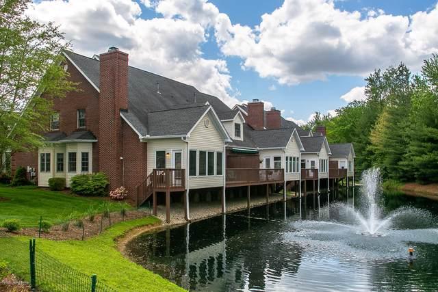 9013 Lyndon Lakes Pl, Louisville, KY 40242 (#1565441) :: The Stiller Group