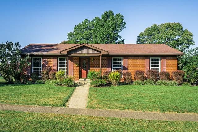 4008 Woodgate Ln, Louisville, KY 40220 (#1570963) :: The Sokoler Team