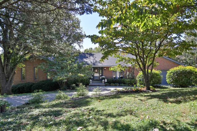 716 Fairhill Dr, Louisville, KY 40207 (#1571137) :: The Rhonda Roberts Team
