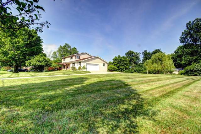 5300 Random Way, Louisville, KY 40291 (#1572655) :: The Stiller Group