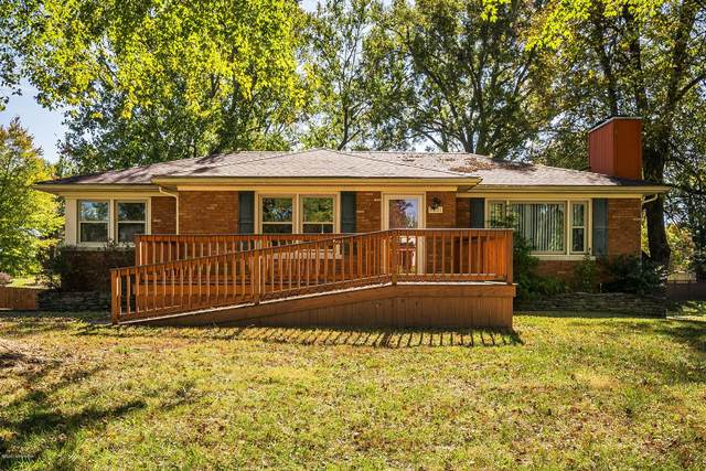 9801 Holiday Dr, Louisville, KY 40272 (#1573381) :: The Price Group