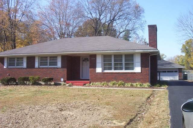 10204 Starlight Way, Louisville, KY 40272 (#1573510) :: The Price Group