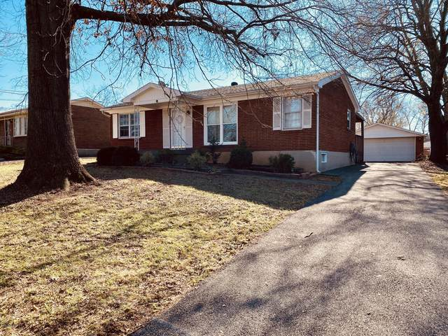 6006 Green Manor Dr, Louisville, KY 40219 (#1574271) :: Impact Homes Group