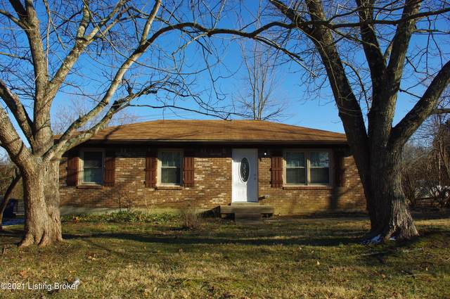 6822 Village Green Blvd, Pewee Valley, KY 40056 (#1580937) :: At Home In Louisville Real Estate Group